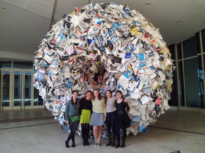 La Bola de Libros